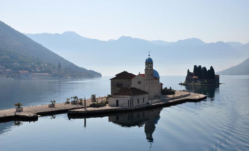 Черногория, Остров Госпа од Шкрпела