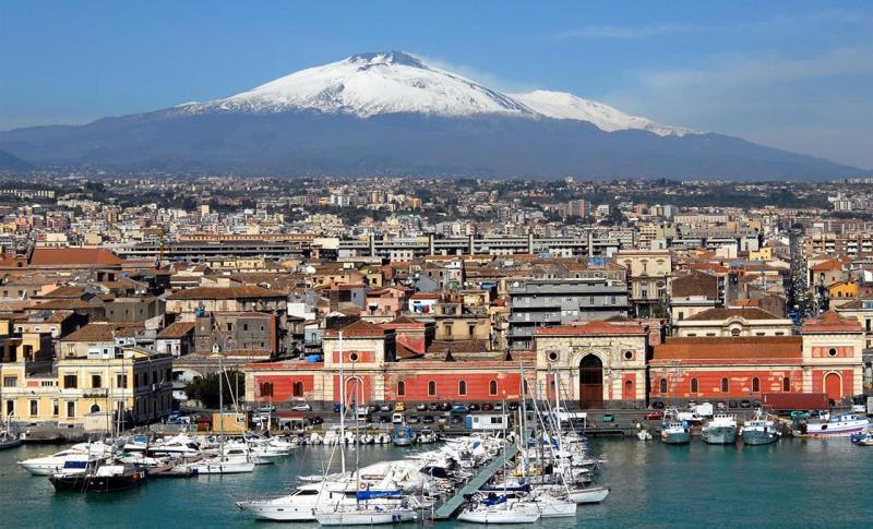 Сицилия, Вулкан Этна