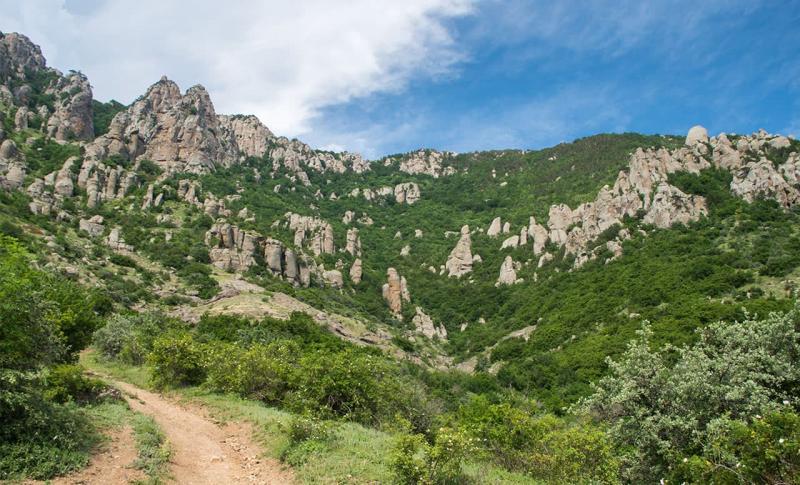 Алушта, Долина Привидений