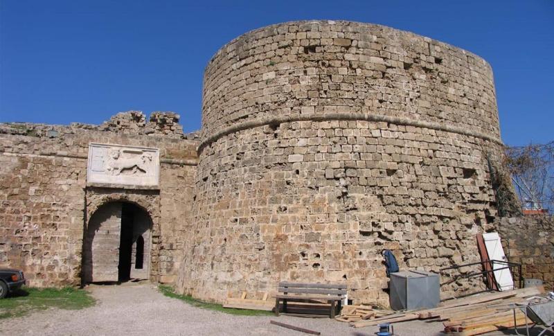 Что посмотреть в Протарасе в августе, Башня Отелло