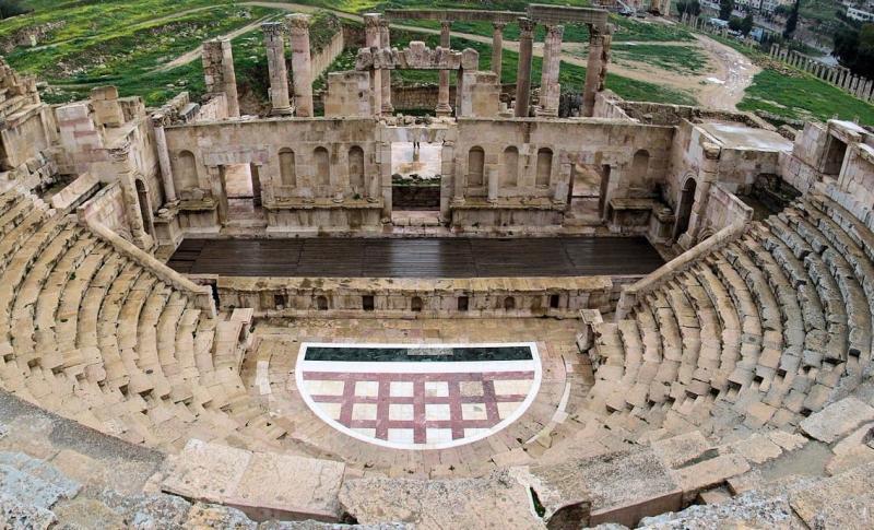 Пафос, Театр Одеон, где и сейчас проходят концерты
