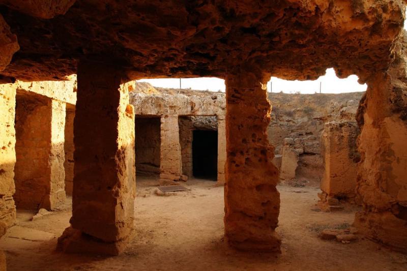 Пафос, Королевские гробницы