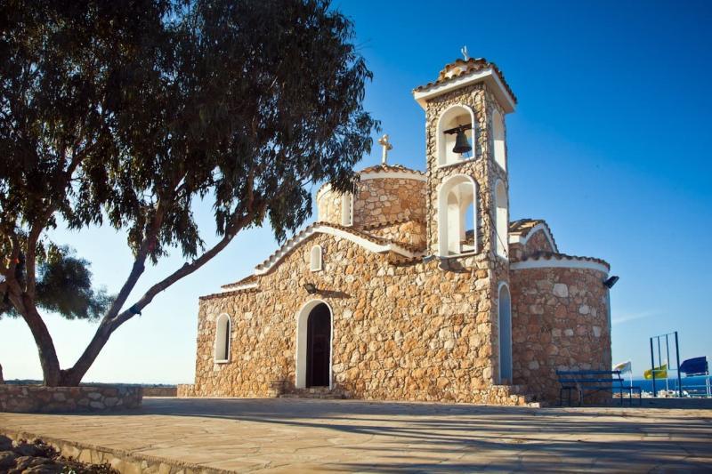 Протарас, Церковь Айос Элиас