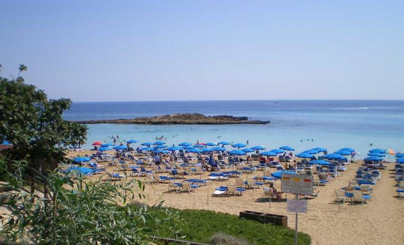 Протарас, Пляж залива Фигового дерева