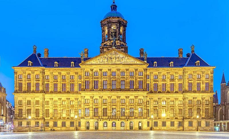 Амстердам, Королевский дворец
