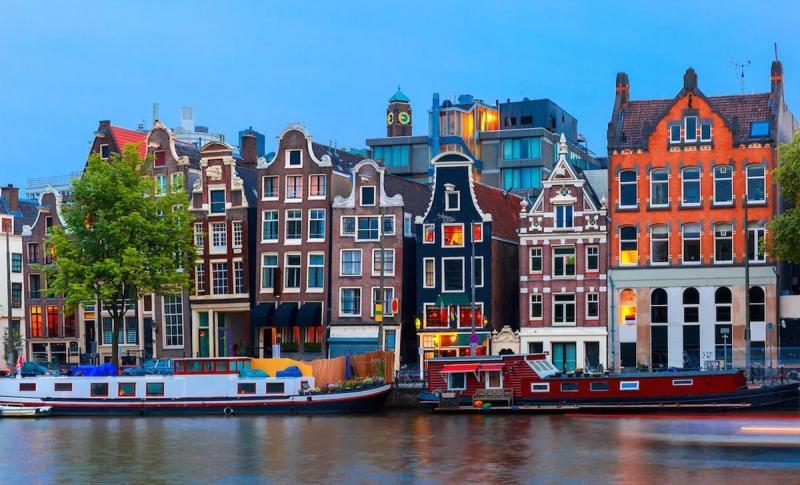 Амстердам, Красочная архитектура