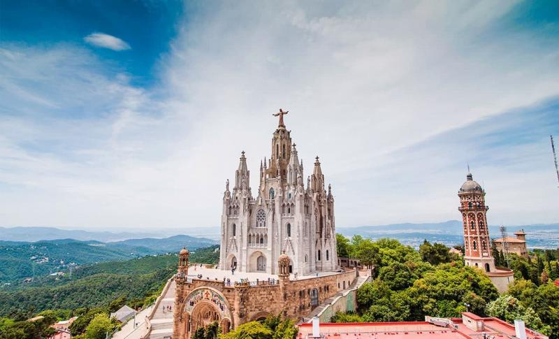 Барселона, Гора Тибидабо и храм Святого Сердца