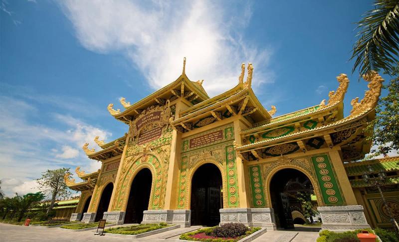 Вьетнам, Посмотрите музеи и дворцы