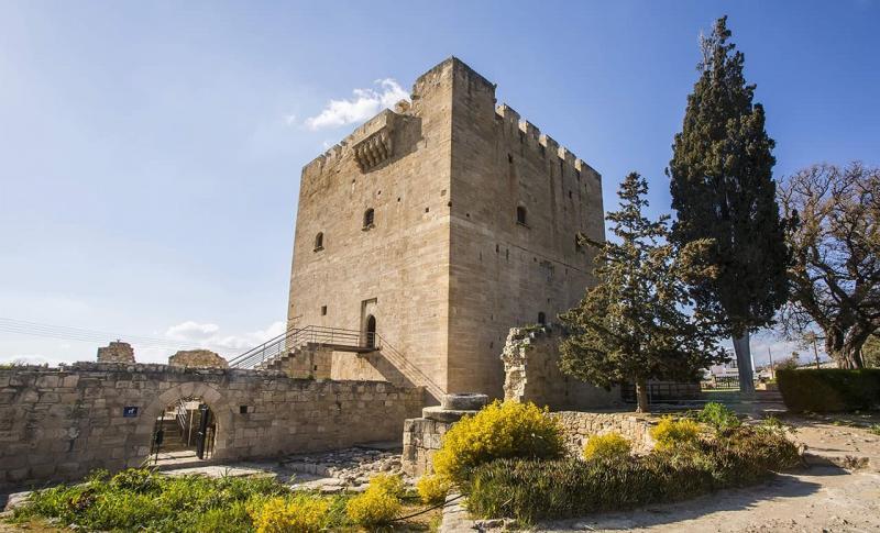 Лимассол, Средневековый замок Колосси