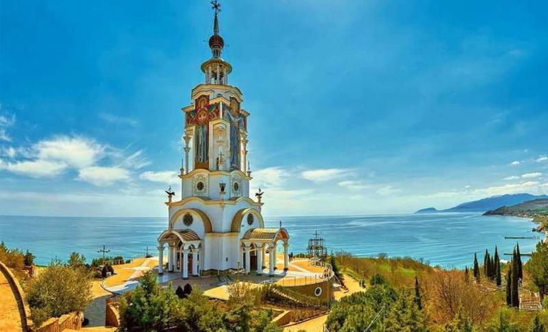 Алушта, Храм-маяк Николая Чудотворца