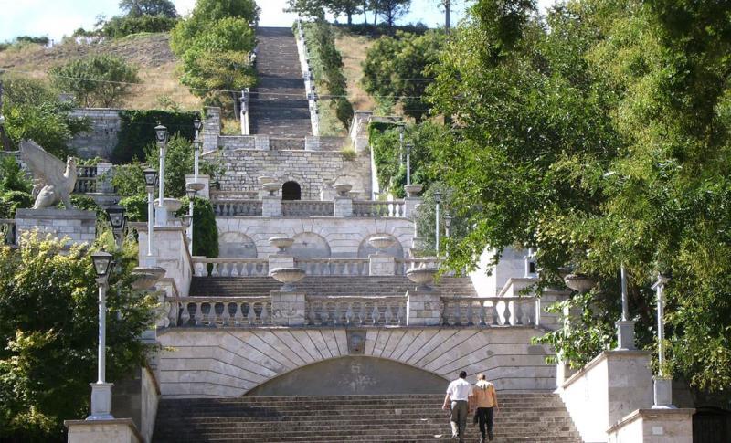 Керчь, Большая Митридатская лестница