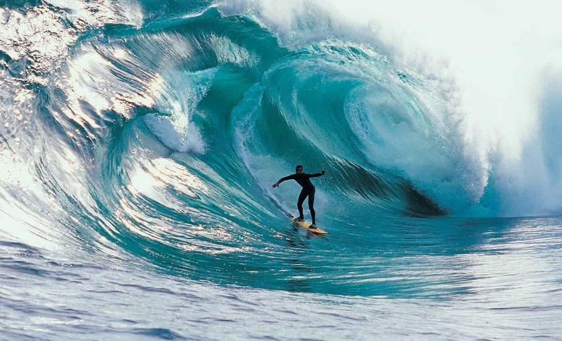 Чем заняться на Бали в ноябре, Сёрфинг на Бали