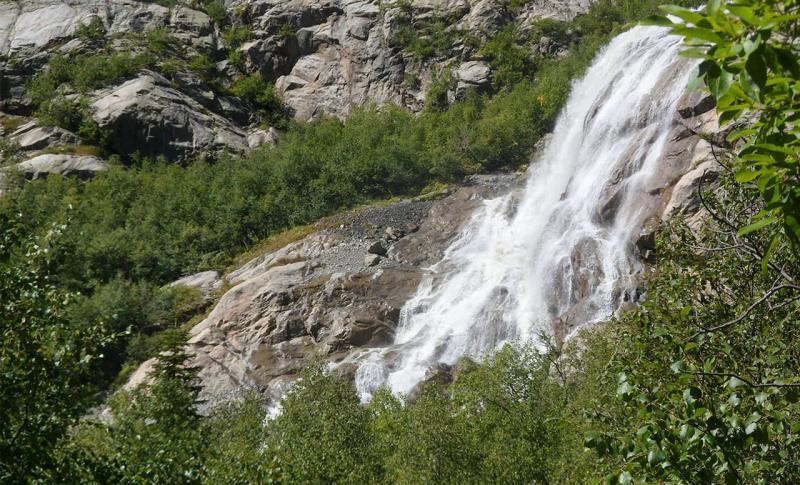 Чем заняться на Домбае в ноябре, Алибекский водопад