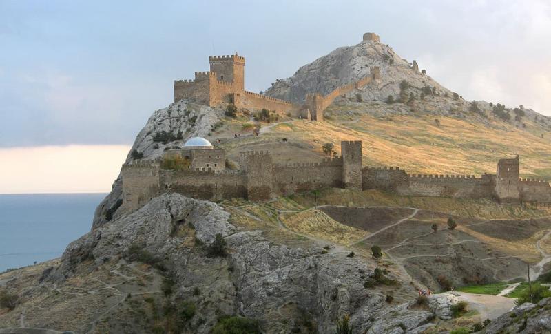 Судак, Генуэзская крепость