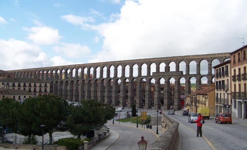 Испания, Древнеримский акведук в Сеговии