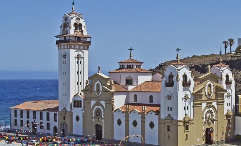 Куда поехать в апреле на море - Канарские острова, Базилика Черной Мадонны в Канделарии