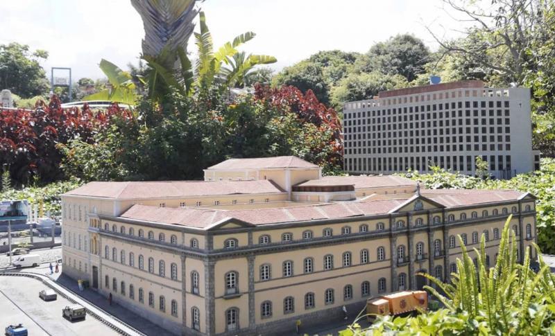 Чем заняться на Канарских островах в мае, Парк миниатюр Пуэбло Чико