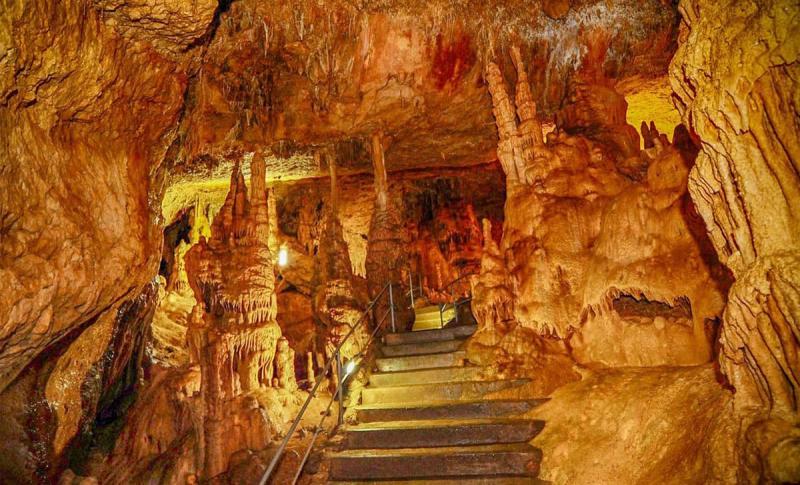 Алушта, Мраморная пещера