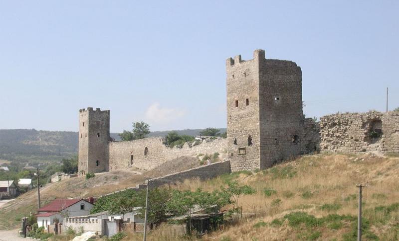 Феодосия, Генуэзкая крепость