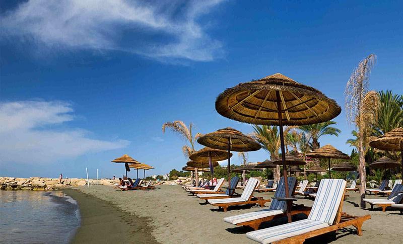 Где лучше отдыхать на Кипре в апреле