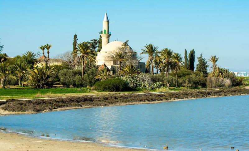 Погода на Кипре в феврале - Ларнака, Мечеть Хала Султан Текке