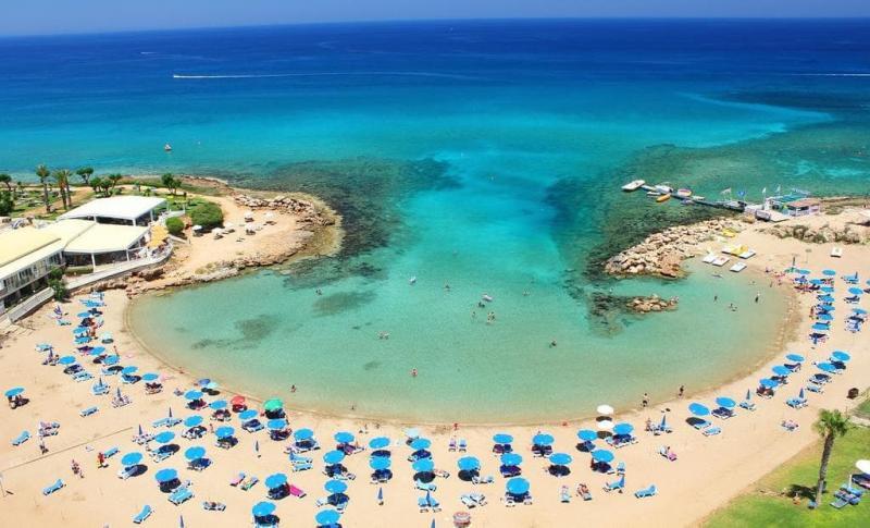 Протарас, Пляжи
